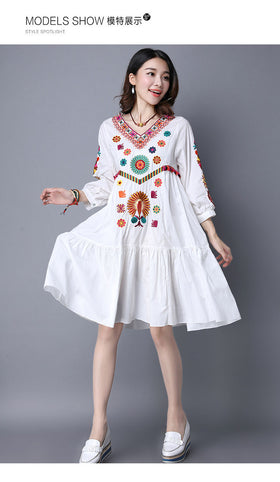 1970s Mexican Style Cotton Floral Embroidered Dress