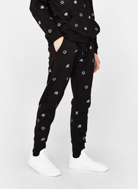 Sweatshirt and jogging trousers