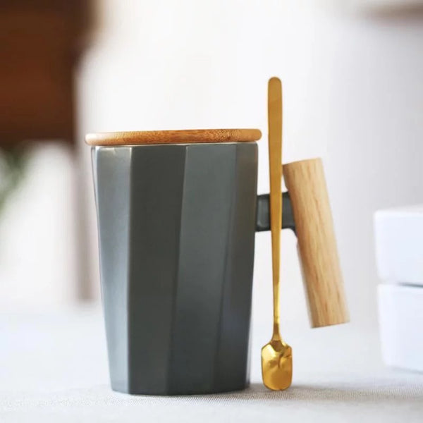 Brenna Mug with Wooden Lid & Handle