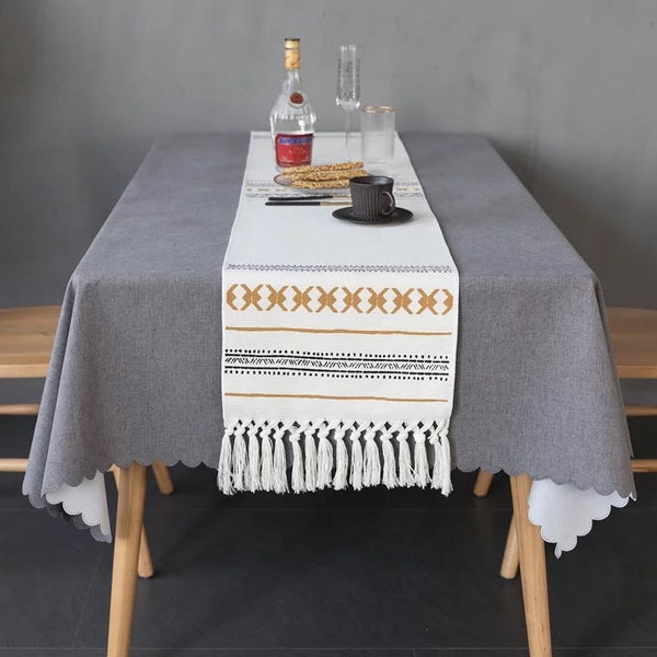 Tyra Table Runner