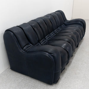 Snake sofa / Maison Charles coffe table