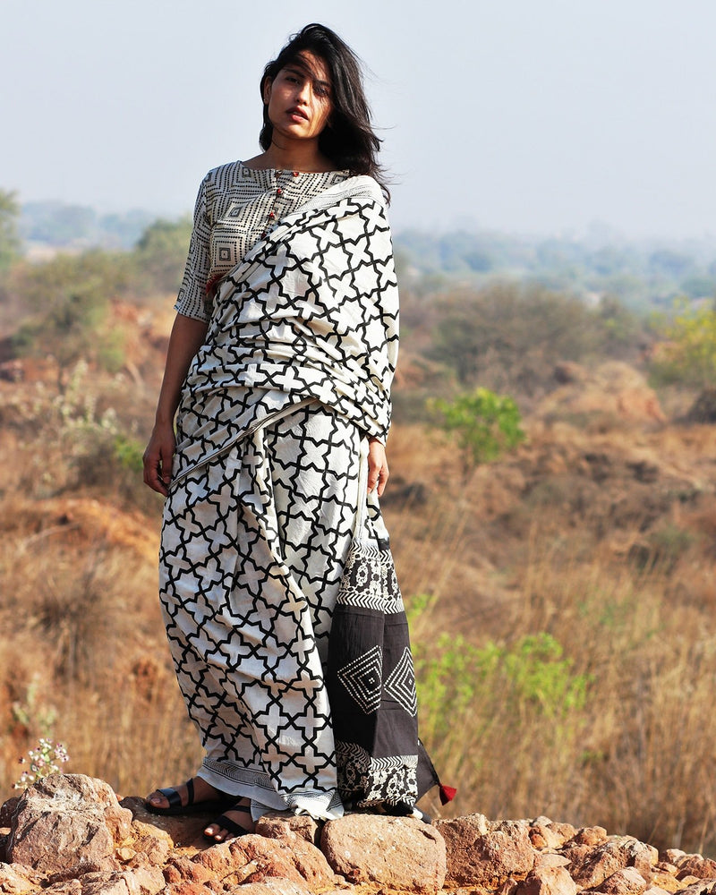 Monocrome Block Printed Cotton Mul Saree