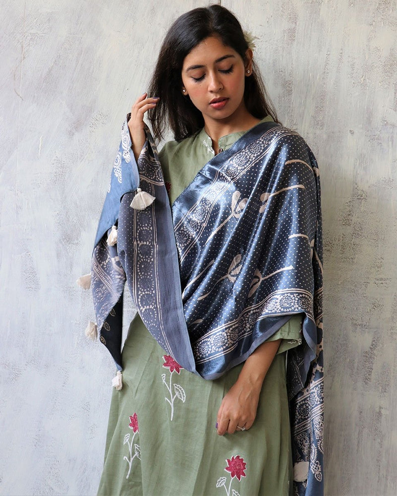 STEEL GREY BLOCKPRINTED MASHRU SILK STOLE