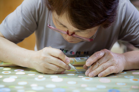 How to make Nishijin Okamoto SILK FABRIC with GOLDEN DESIGNS Cloth inspection 西陣織 金襴