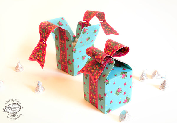 Set of 3 Bow Gift Boxes: Blue with Rose Design