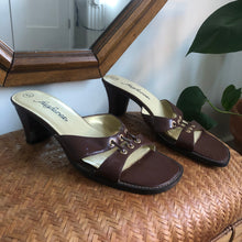 Load image into Gallery viewer, Vintage Brown Mules - 6