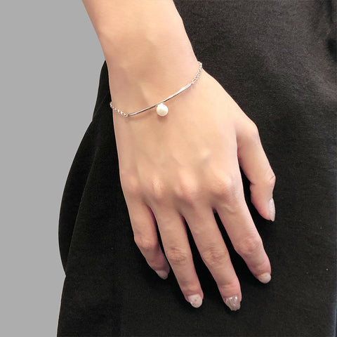Curve Bar With Pearl Sterling Silver Bracelet