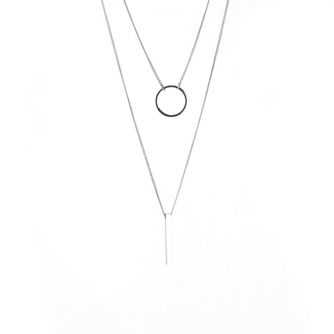 Cutout Circle & Long Bar Sliver Short Necklace