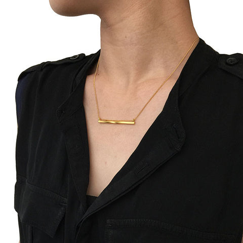 Twisted Bar Gold Short Necklace