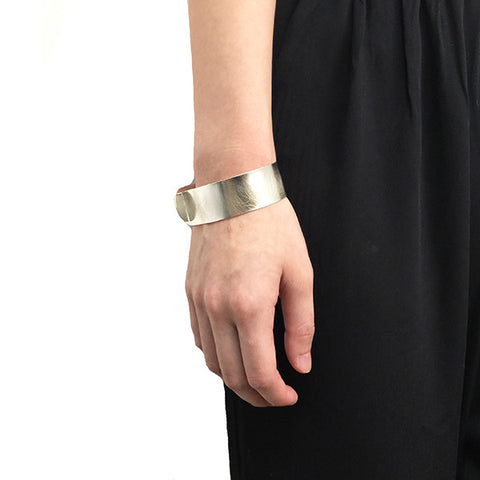Fish Collar Mini Sterling Silver Bangle