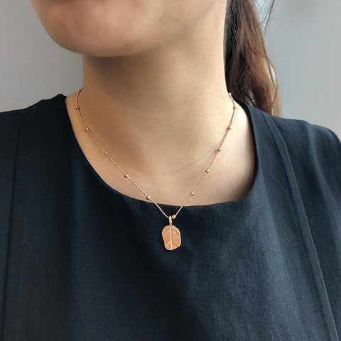 Ovate Rose Gold Short Necklace