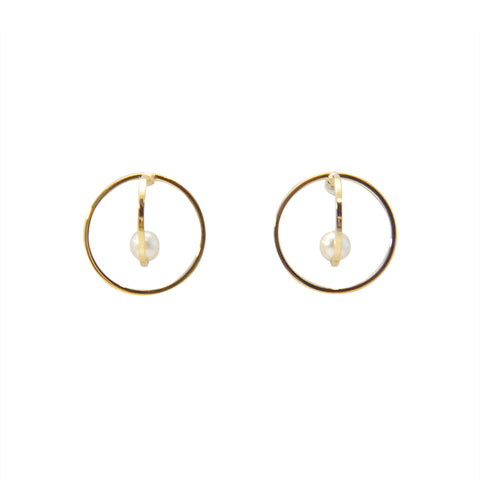 3D Cutout Circle With Pearl Gold Pierced Earrings