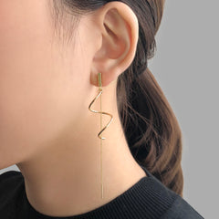 Curve Ribbon With Chain Gold Pierced Earrings