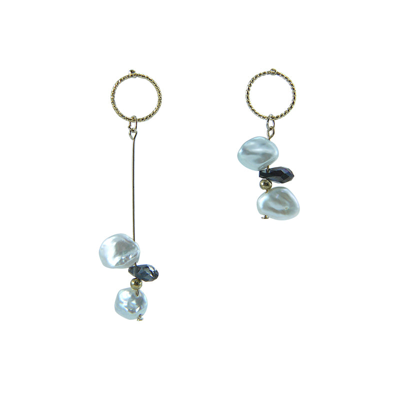 Circle ring with Pearl and black crystal Gold Pull - Thru Earrings