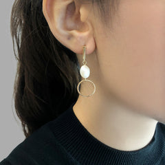 Irregular Cutout and circle Gold Pull-Thru Earrings