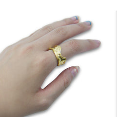 Wave embrossing Gold Ring