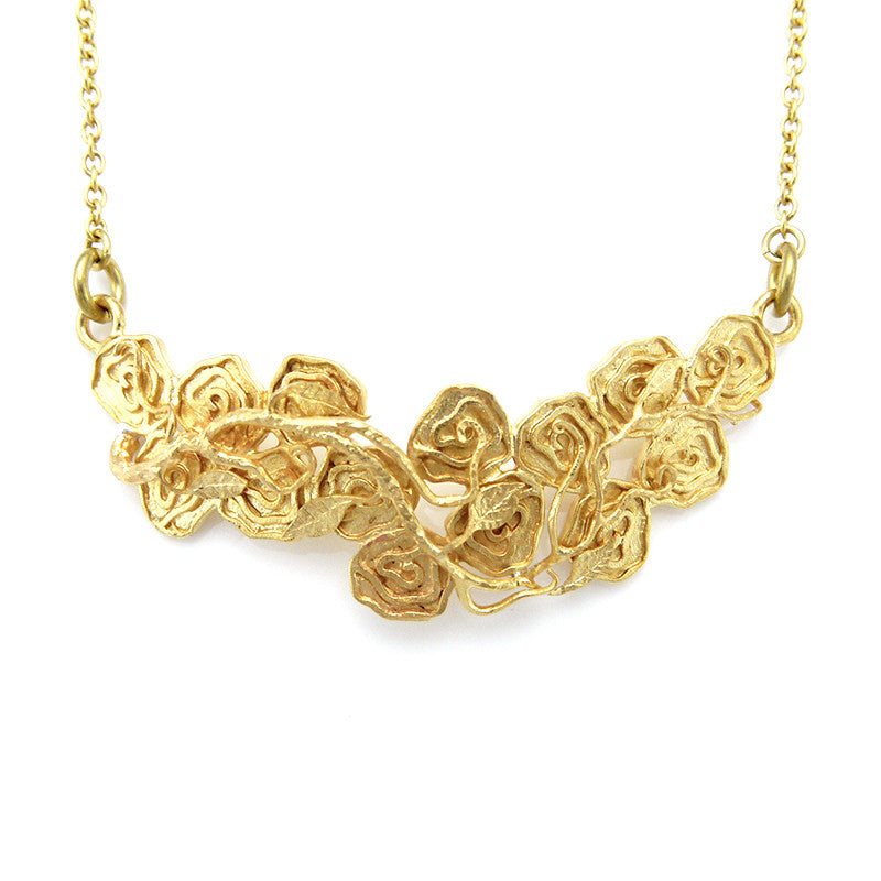 Rose Buds Short Gold Necklace