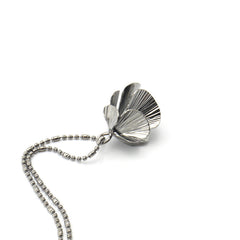 Orbicular Short Dark Grey Necklace