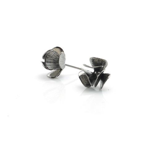 Orbicular Black Studs