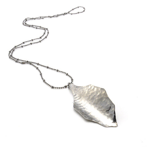 Hammered Leaf Black Long Necklace