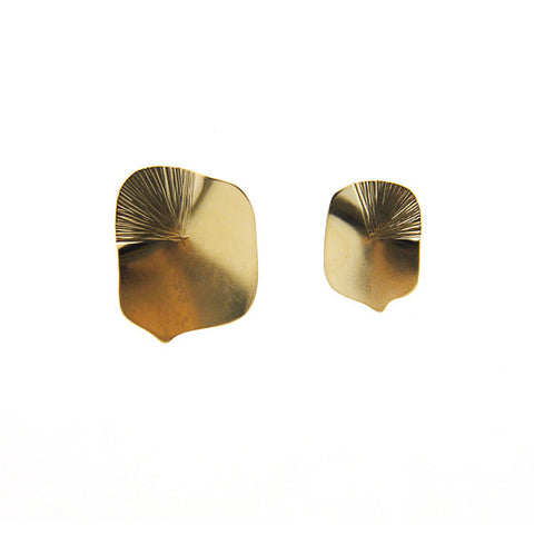 Boxy Comma Gold Studs