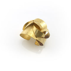 Ribbon Gold Bangle