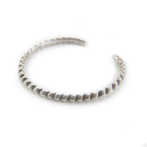 The Arrow Pattern Sterling Sliver Bangle