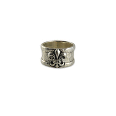 Hammered Pattern with Embossed Goffic Crown Print Sterling Silver Ring