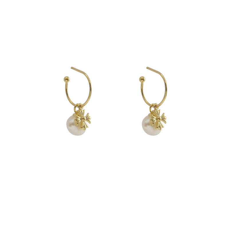 A Pearl Gold Sterling Silver Studs