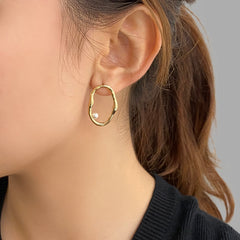 Irregular loop with Pearl Gold Sterling Silver Studs