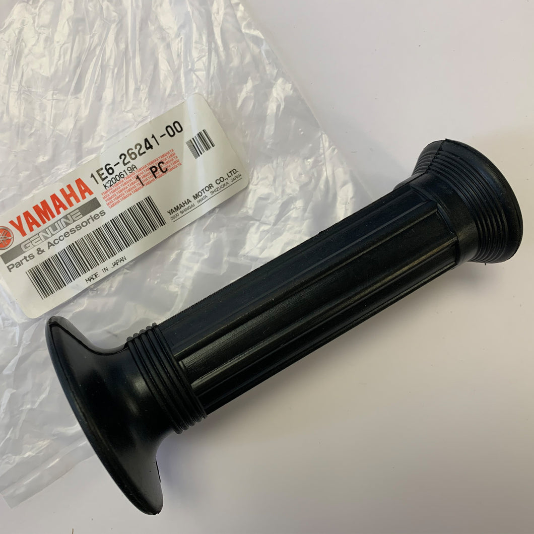 GENUINE YAMAHA LEFT GRIP RD250LC RD350LC 1E6-26241-00