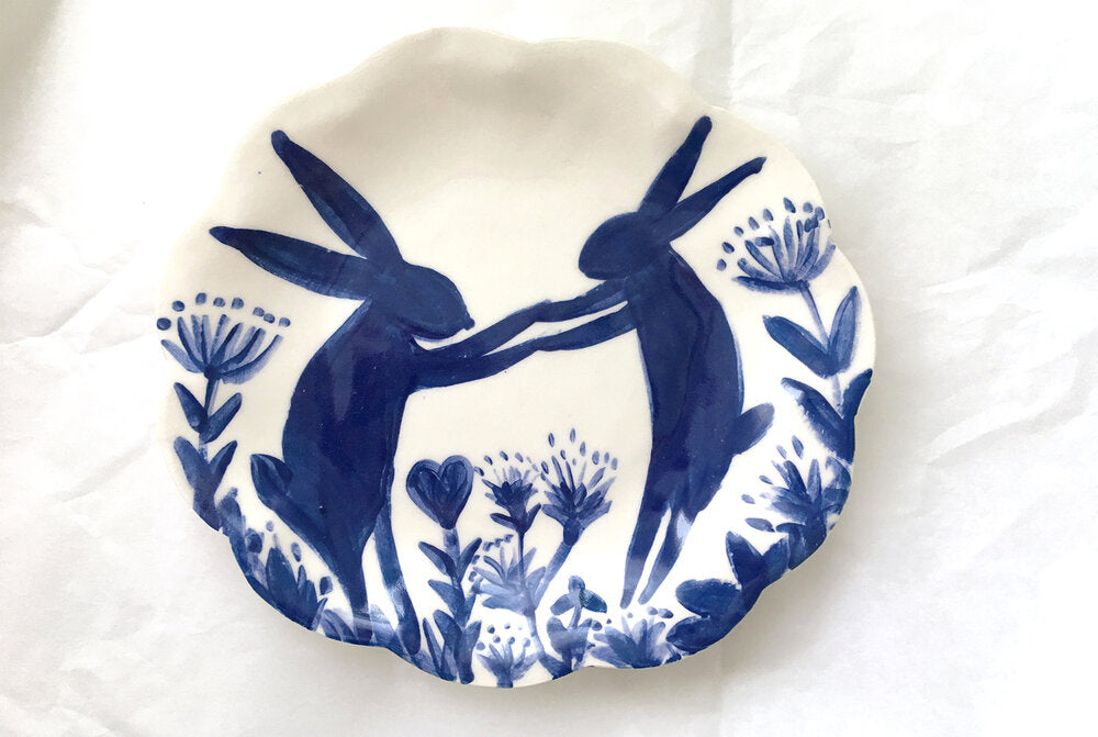 Dancing Hares Plate 15cm