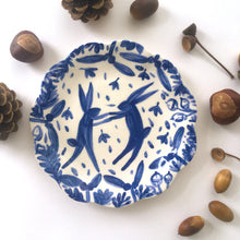 Load image into Gallery viewer, Autumn & Winter Hare Plates 15cm