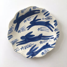 Load image into Gallery viewer, Shooting Stars & Festive Forest Hare Plates 15cm