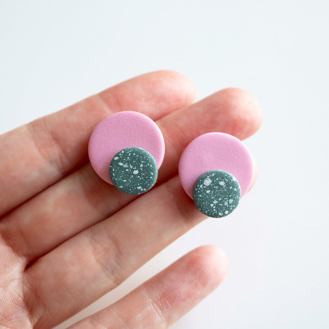 Dot Stud in Rose & Winter Sage Speck