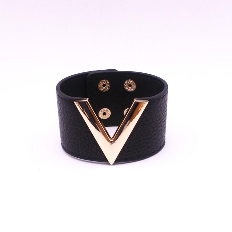 Black Snake Leather V - Bracelet, Wide Cuff Femme