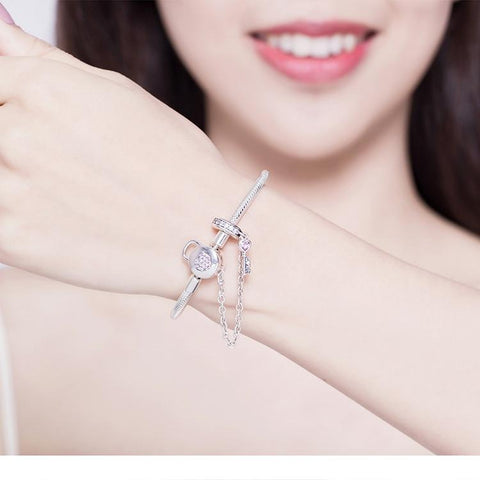 Moments Heart Clasp Bangle