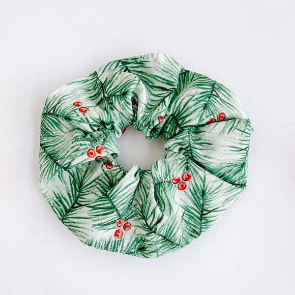BERRY PINE SCRUNCHIE