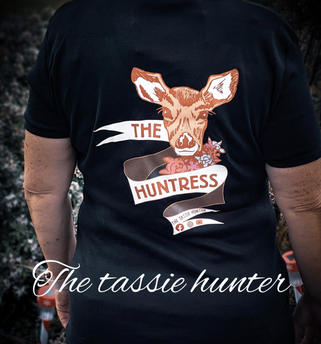 Huntress round neck
