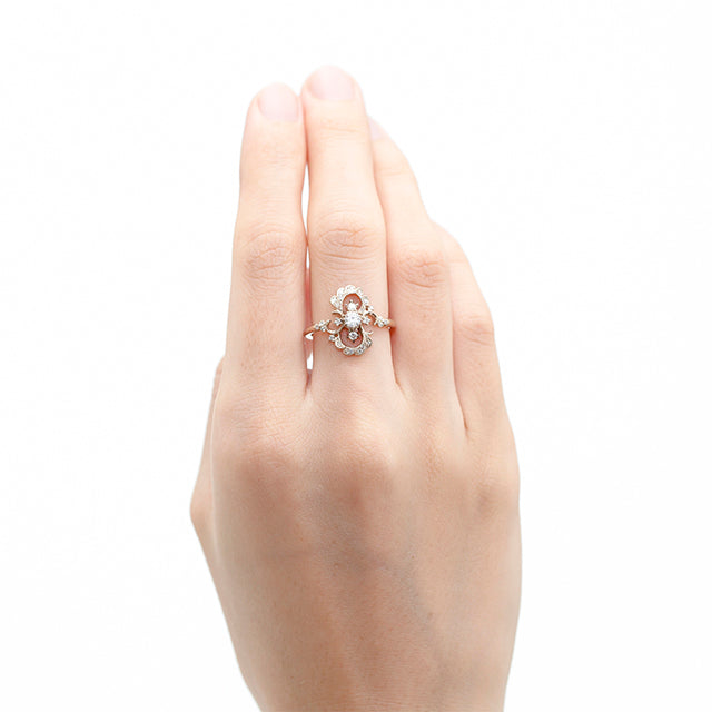 1013A<br>ダイヤモンドリング<br>- Clair de lune -<br>Diamond ring