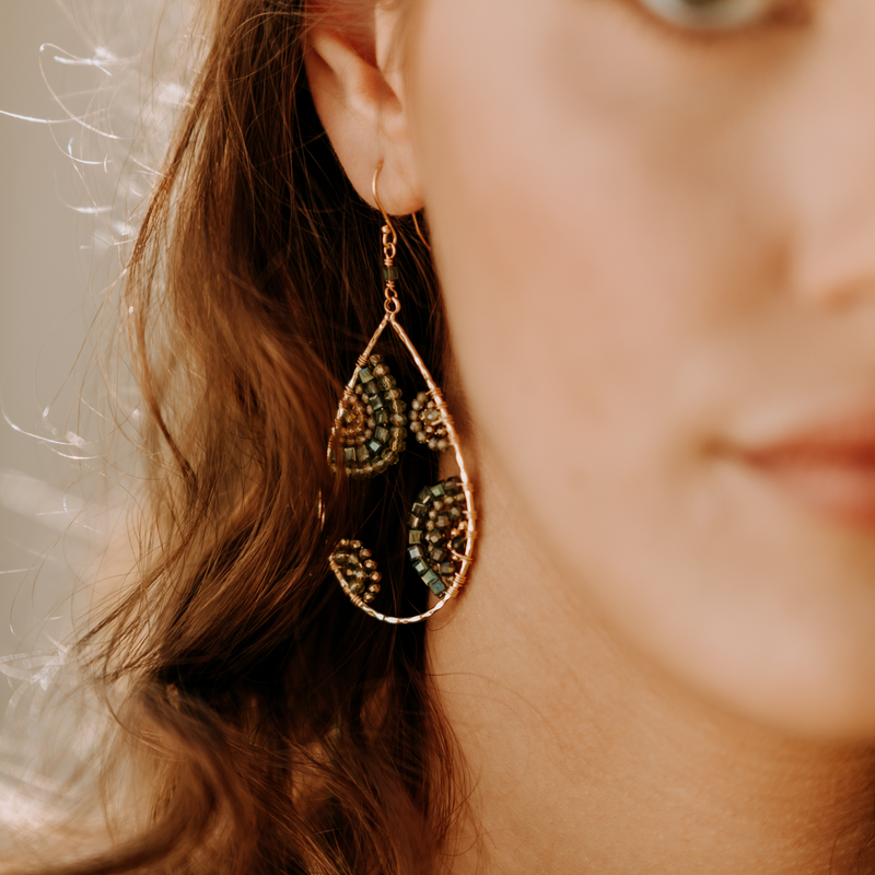 CRESCENT EARRINGS IN FOREST