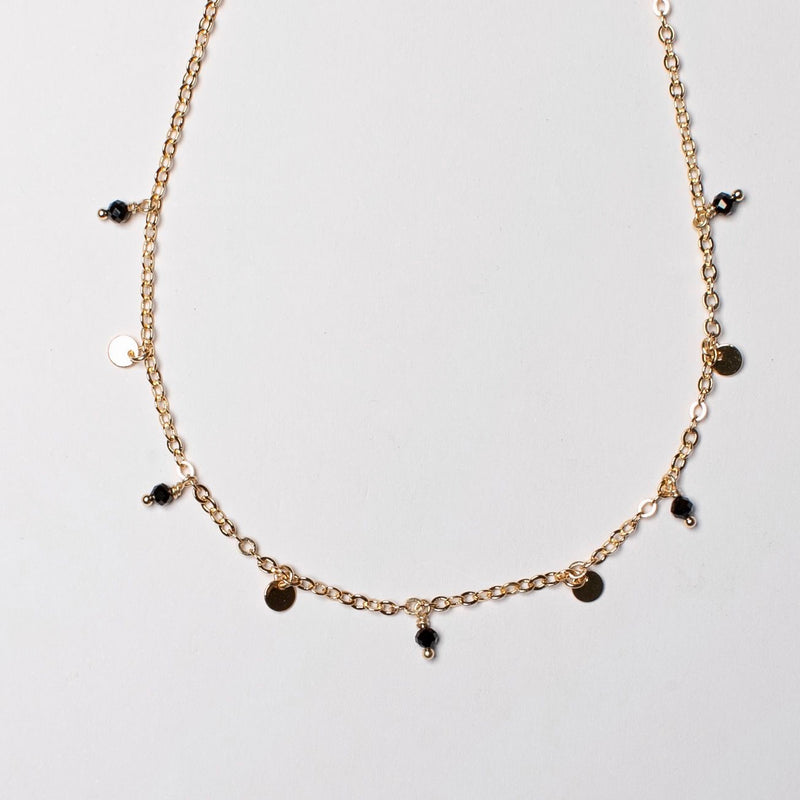 SHORT FINE CHAIN NECKLACE WITH ONYX AND DISKS