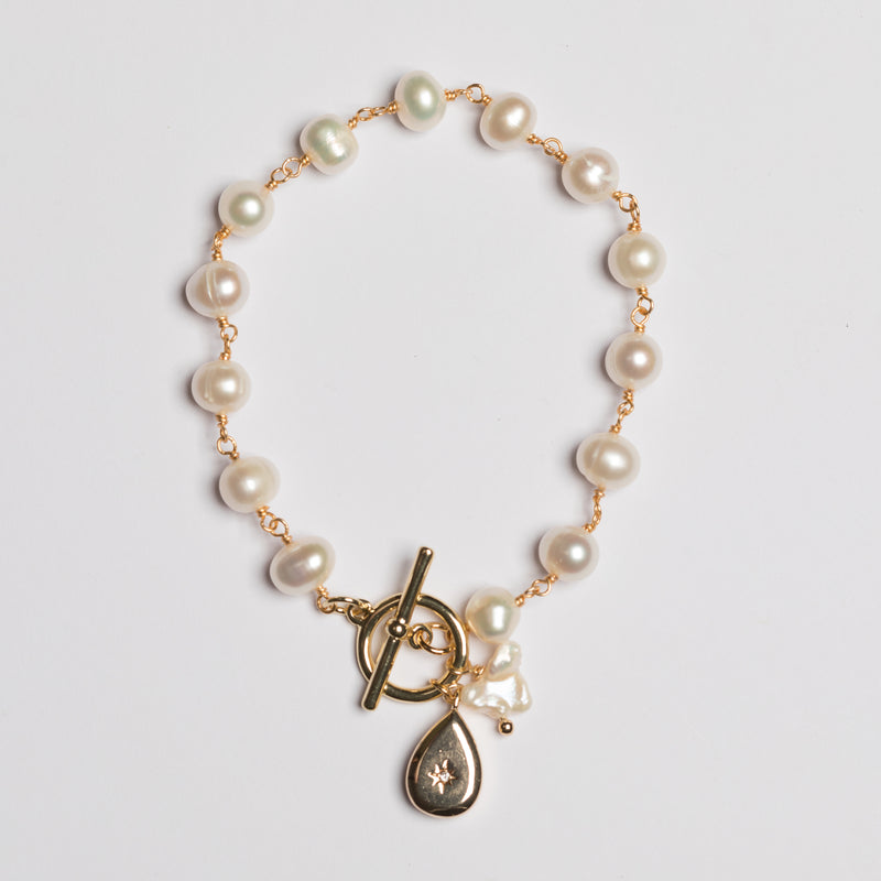 PEARL LINKED BRACELET