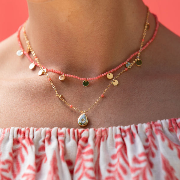 SHORT CORAL DISC NECKLACE