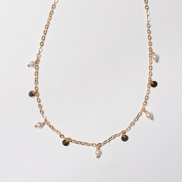 PEARL AND DISKS SHORT FINE NECKLACE