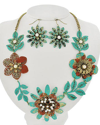 Larelle Necklace Set