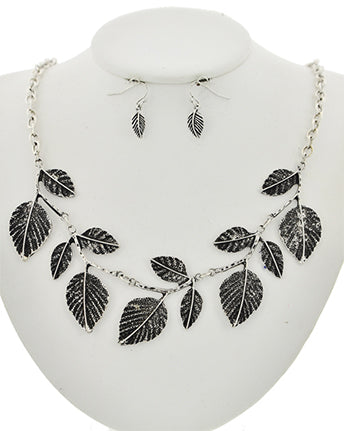 Arbor Necklace Set
