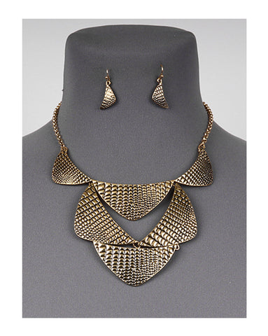 Textured Bib Necklace Set