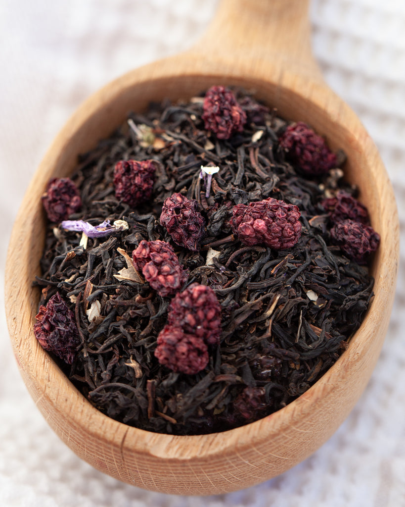 Backyard Blackberry Tea - 4 oz.  Bold morning black tea blended with Maine blackberries!  So smooth.  Ingredients:  Blend of eight black teas, blackberries, blackberry natural flavorings, blackberry leaves and blue mallow flowers.  Enjoy!