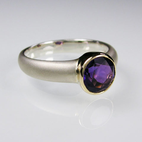 Aphrodite Gold with Amethyst
